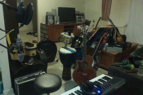Hugemusic Studio Jan 2013.jpg